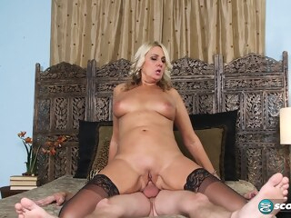 hot blonde mommy dallas matthews enjoy a facial private  tube